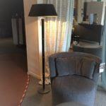 OPHEFFINGSUITVERKOOP:showroommodel vloerlampVE 0009 van Lumière Verlichting